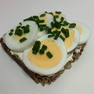 Slunečnicový vege chlebík Palouček a vejce